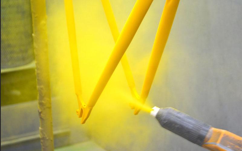 رنگ کوره ای مایع چیست؟ مراحل رنگ کوره ای کمد فلزی - قیمت رنگ مایع